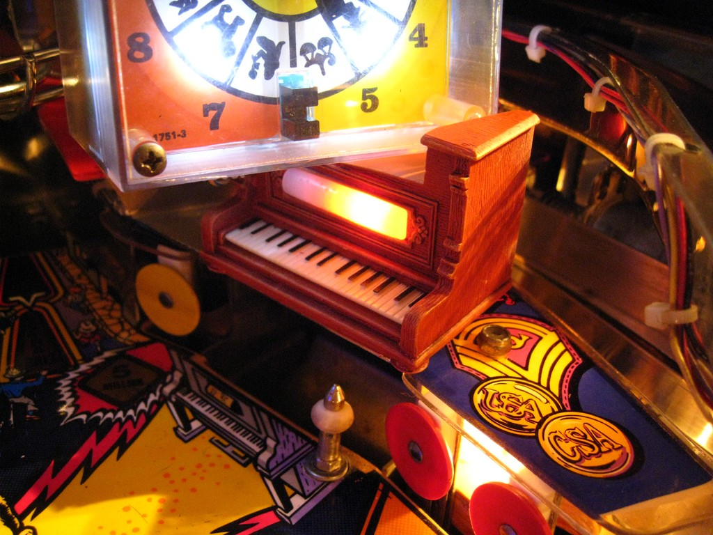 The piano Twilight Zone Pinball mod